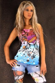 FASHION T-SHIRT WITH RHINESTONES